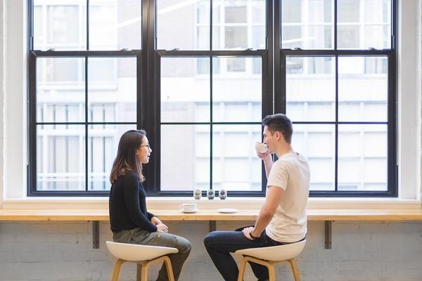 聊天过程可以多保持一些神秘感,不要泄漏太多消息。
