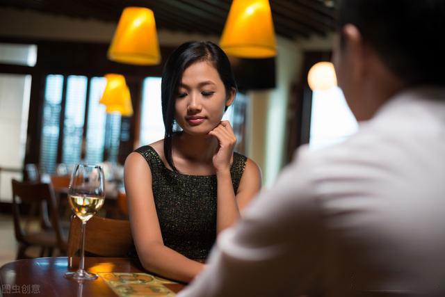 约会吃饭,女人的外在打扮同样很重要