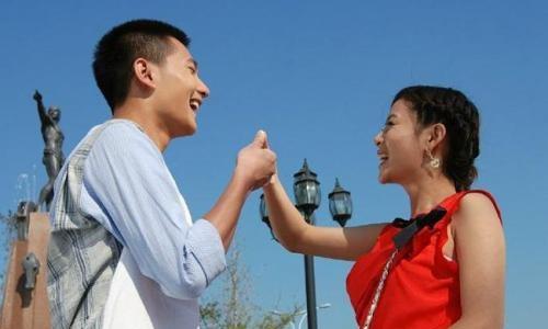 凡闪婚者,都有充分的正当正面正确的理由,否则谁会闪。